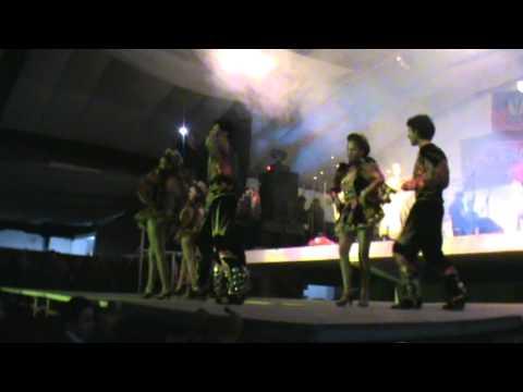 Concierto de los Kjarkas en Tarija / Llorando se fue 2011