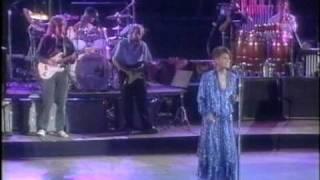 Dionne Warwick sings Heart Breaker