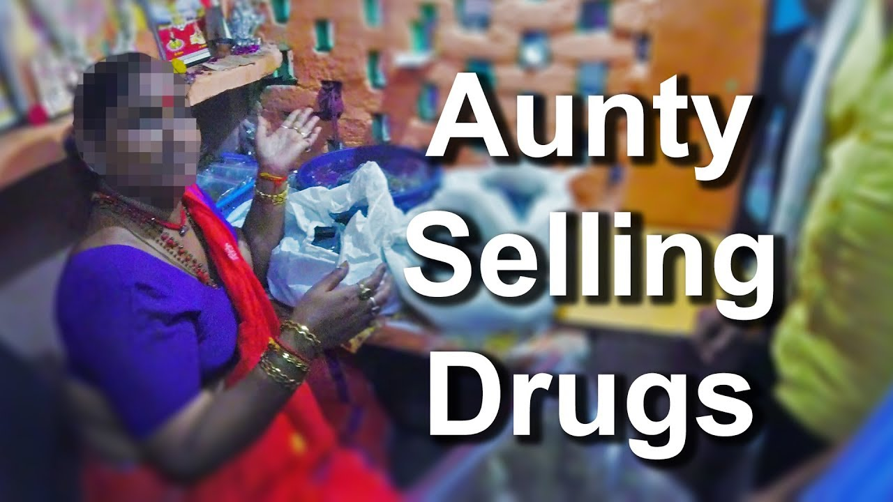 Buying Drugs in India is EASY (Black Market Tour)