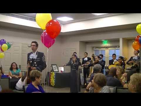 Mariachi Aztlan de Pueblo High School - Volver Volver