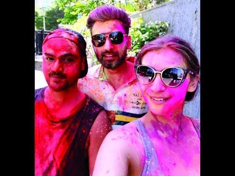 الاحتفال بمهرجان هولي الهندي في الإمارات مع حلول فصل الربيع  - نشر قبل 3 ساعة