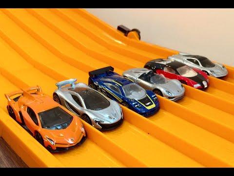 RACE: Ferrari vs Lamborghini vs Porsche vs Bugatti vs Mclaren F1