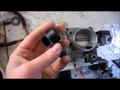 Fiat Punto 1.2 8v - How To Change Throttle Position Sensor (TPS)