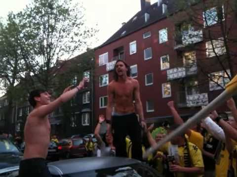 Neven Subotic - Autodach - Meisterfeier BVB 2011 - Zeigler - Video Dome