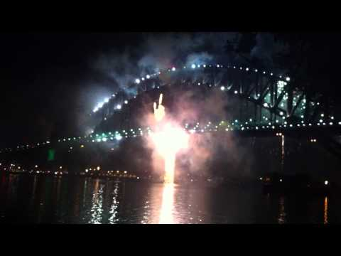 Sydney New Years Eve 2010 Fireworks from Dr Mary B...