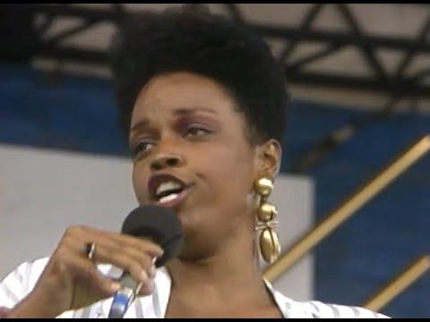 Dianne Reeves - Summertime - 8/19/1989 - Newport Jazz Festival (Official)