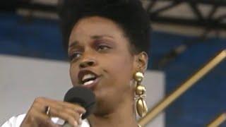 Dianne Reeves - Summertime - 8 / 19 / 1989 - Newport Jazz Festival (Official)