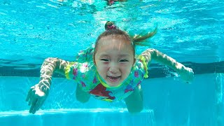LoveStar have fun playing at the indoor waterpark | Baby shark