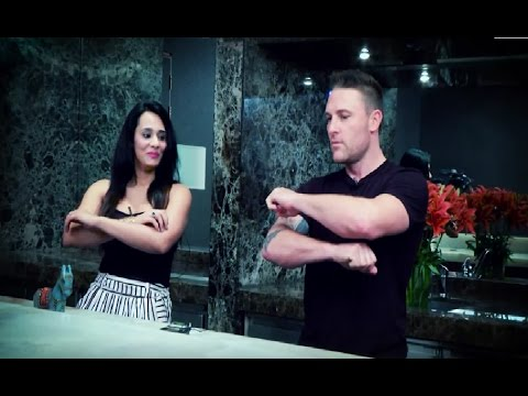 Brendon McCullum Teaches Mayanti Langer The Haka!