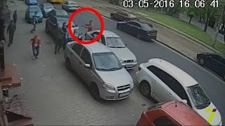 В журналистов 7 канала стреляли!(На журналистов 7 канала напали неизвестные. Это произошло прямо у входа в редакцию на ул. Старопортофранков..., 2016-05-03T14:09:42.000Z)