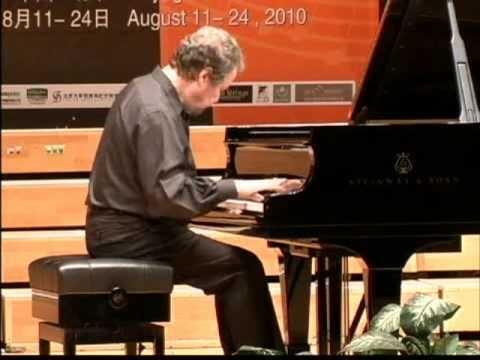 Alexander Braginsky plays Prokofiev Sonata No. 4 (2nd Mov.)