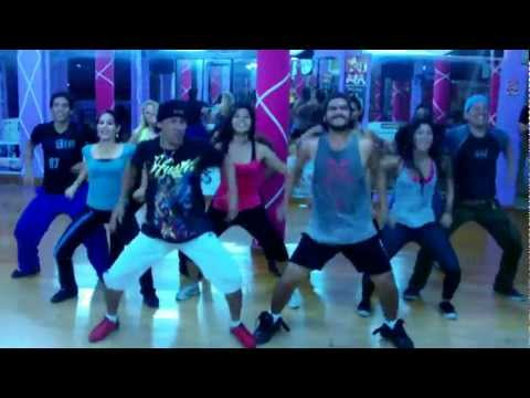 bailoterapia para bajar de peso reggaeton artistas