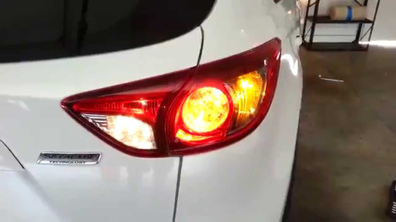 2013 Mazda Cx 5 Suv Testing Tail Lights After Changing