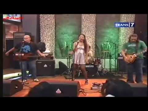 Netral Feat Saras Dewi ~ Cinta Gila