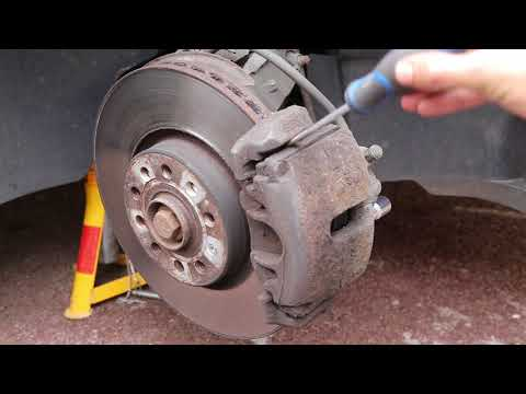 Replacing VW Passat/Golf/Jetta Front brake pads - How to fit new brake pads