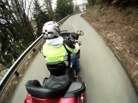 Goldwing 1800 -filmed with a GoPro HD