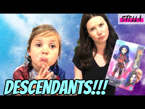 Stella earns EVIE DOLL from DESCENDANTS 3