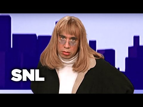 Penny Marshall is The Looker  SNL