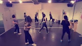 ダンススクールカーネリアンのレッスン動画です。 セクシーボディメイククラス(土曜クラス) 2018/11/12 セクシーボディメイククラスのレッス...