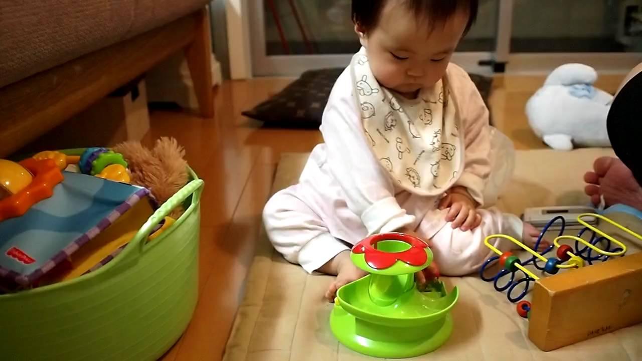 055_生後9ヶ月2日赤ちゃん 「賢い!? おもちゃで遊べてる-2」 9 month ...