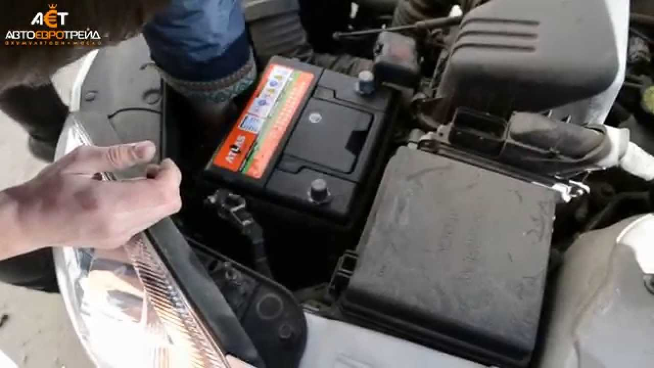 киа sportage 2 как снять аккумулятор