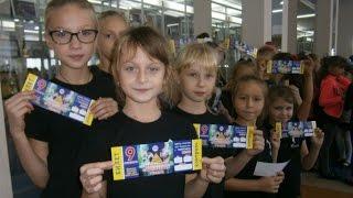 «Молодежка» подарила детям Покровска и Родинского замечательный праздник