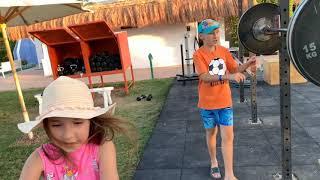 День 3 Египет отель Desert Rose Resort Косички Тату Деревья Детская площадка Еда Диско