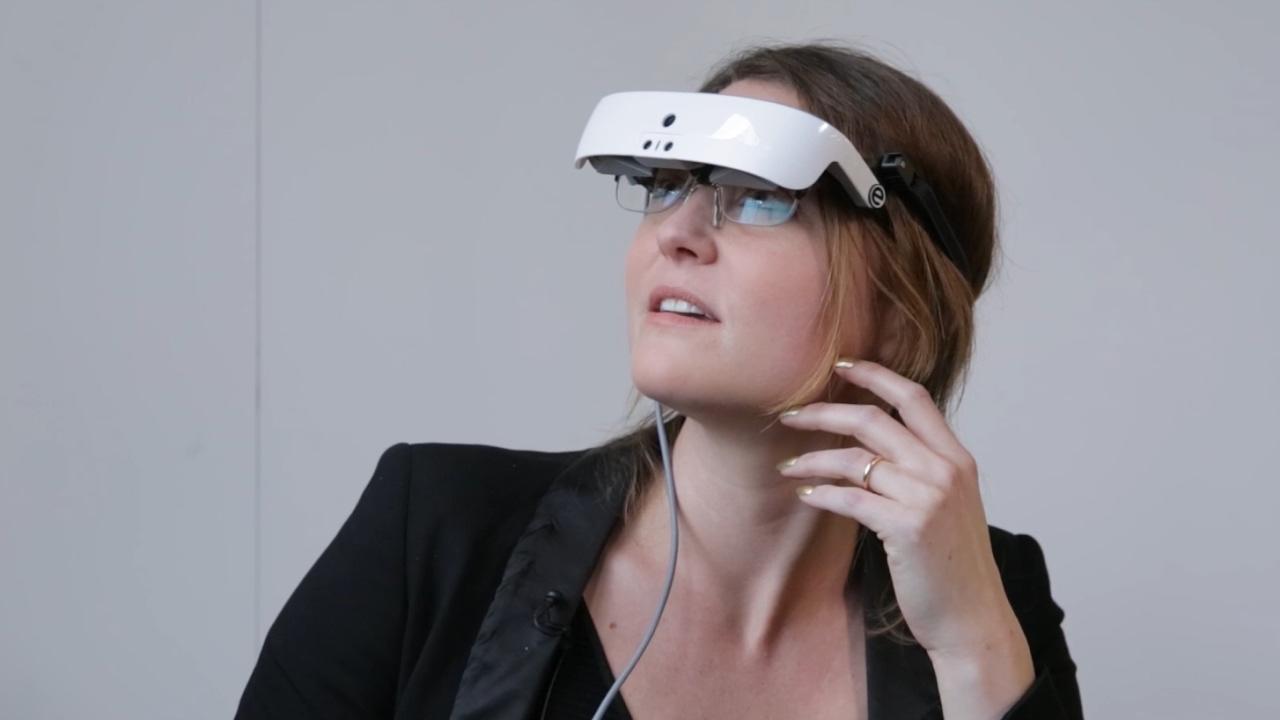Estas innovadoras gafas ayudan a ver a personas que solo conservan un pequeño porcentaje de visión (ver VIDEO)