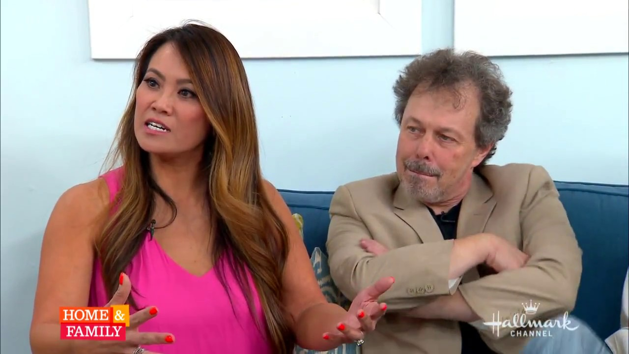 Dr Sandra Lee On Home And Family Facts Myths About Acne