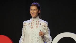 Nail it, Scale it, Sail it - an entrepreneurial journey | Loredana Pădurean | TEDxCluj