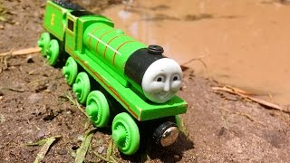 Henry Vs The Mud Pit - Thomas & Friends Wooden Railway