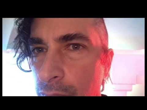 THATZ HOW JIMMY CUTS HAIR