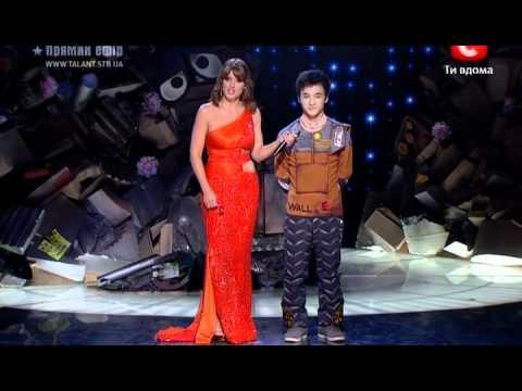 Видео, Атай Омурзаков- Танец Wall-E. Украина ищет таланты. Клво