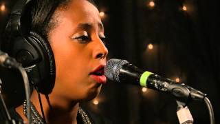 Cold Specks - Let Loose The Dogs (Live on KEXP)