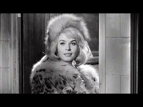 36 American movie with woman in fur coat - YouTube