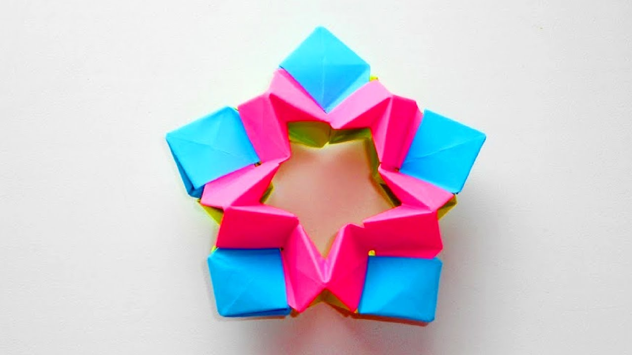 Звезда из бумаги оригами. Новогоднее украшение на елку