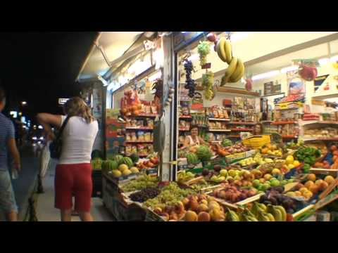 Sidari, Corfu, noaptea, diverse magazine si cluburi