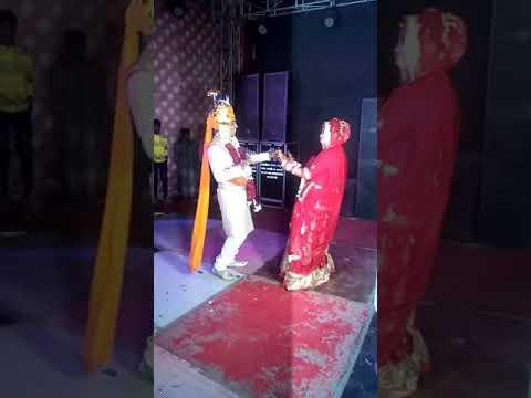 Likhiya sanjog rab ne  mare bhai mari jan karan or mari bhabhi ka dance love you bhai...