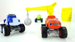 Los MONSTER Machines. 🏁 #Blaze y una PISTA de CARRERAS. #CamionesMonstruos