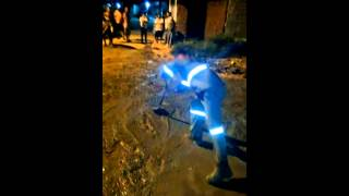 Goiana: Revoltados com inércia das autoridades, moradores realizam obra por conta própria