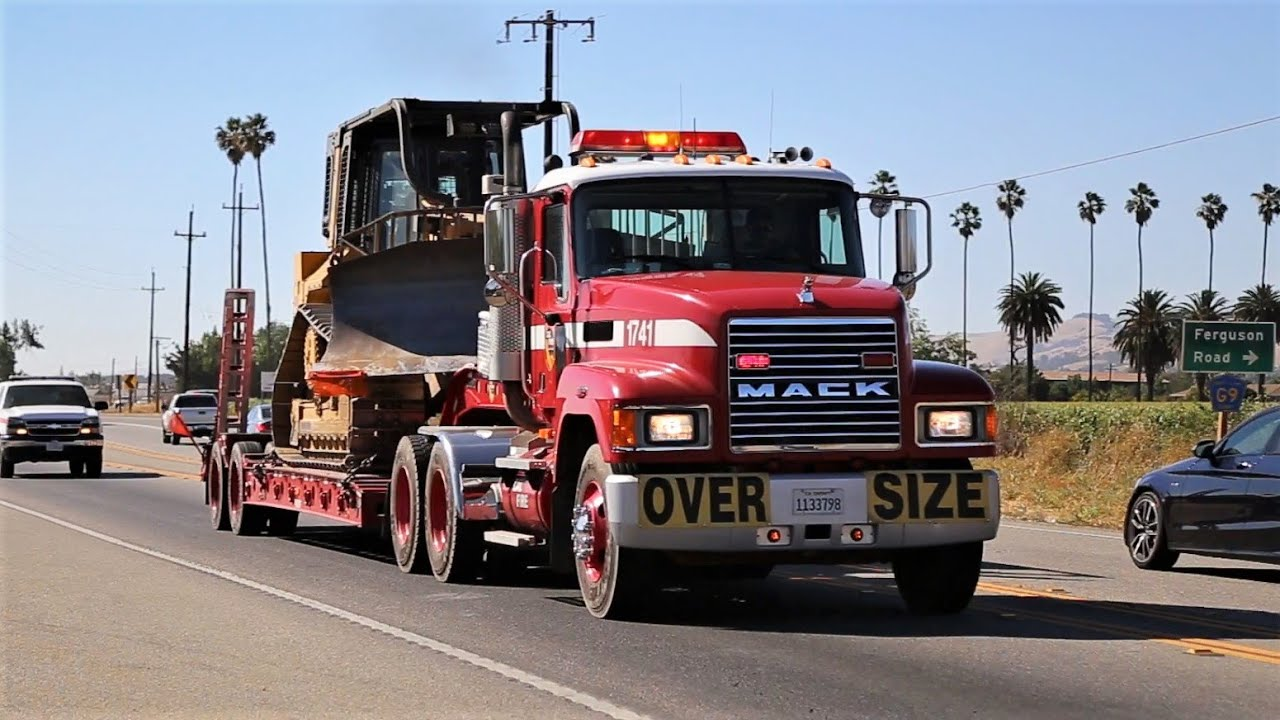 Rare Units! 45+ Fire Trucks, Dozers, and Chiefs Responding Code 3 to a Massive Wildfire!