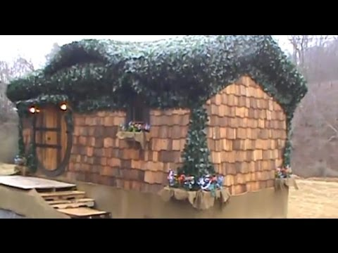 Hobbit House Tiny House built by Incredible Tiny Homes