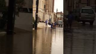 """بالفيديو والصور.. سكان """"الموسى"""" بخميس مشيط يشكون من الحفريات وسوء السفلتة"""