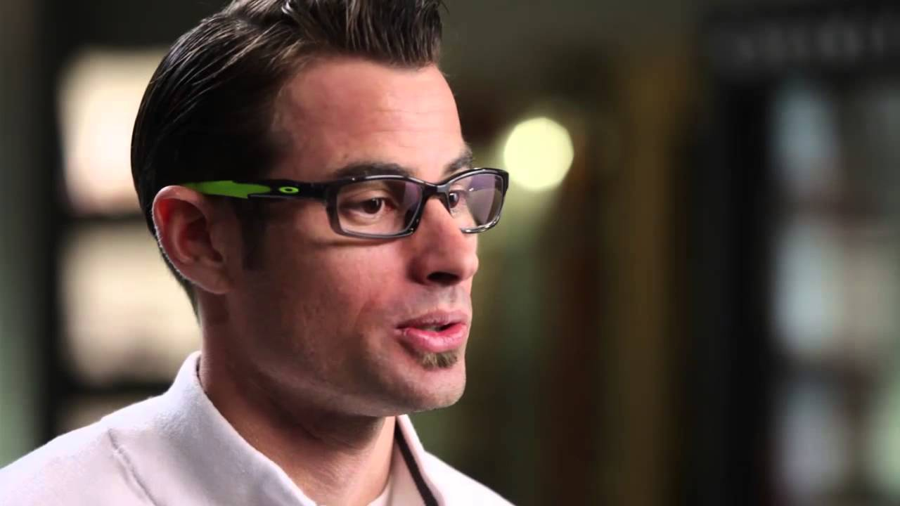 3a1f1c45a2374 About The Oakley Crosslink Collection from SelectSpecs.com - YouTube