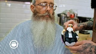 Master Barber Gets His Own Beard Trimmed thumbnail