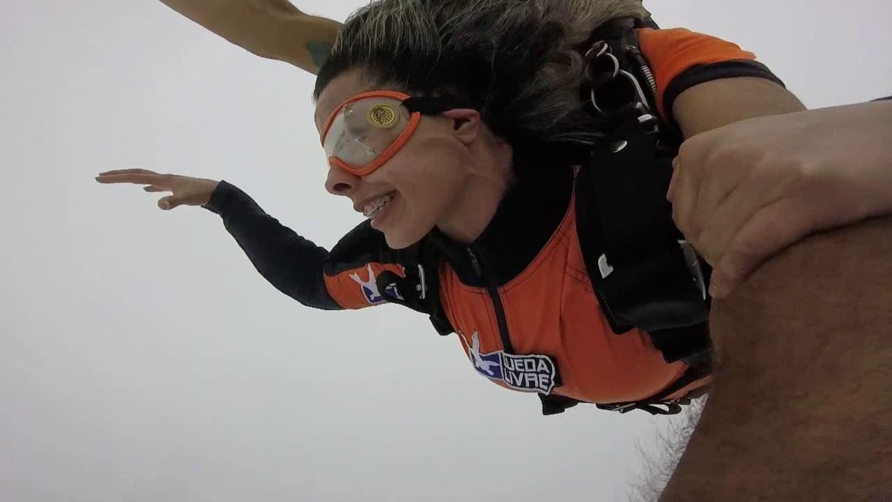 Salto de Paraquedas da Josy na Queda Livre Paraquedismo 22 01 2017