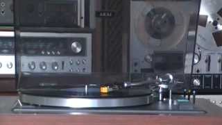 Đầu đĩa than Akai: AP-004D; Amply Akai: AA 940