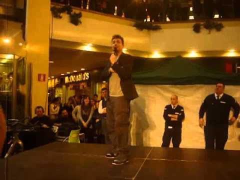 Angelo Pintus al metropoli di novate milanese