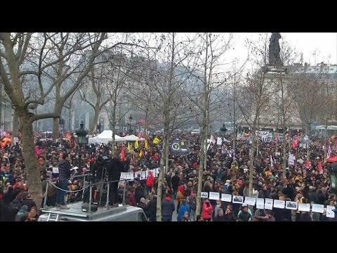 Manifestations contre la loi Travail: la place de la République est noire de monde