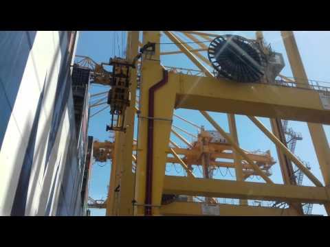 Khor Fakkan Port UAE Ship Loding Unloding - Ebrahim